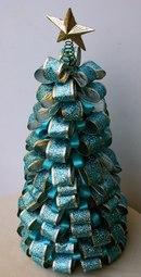 елка из лент