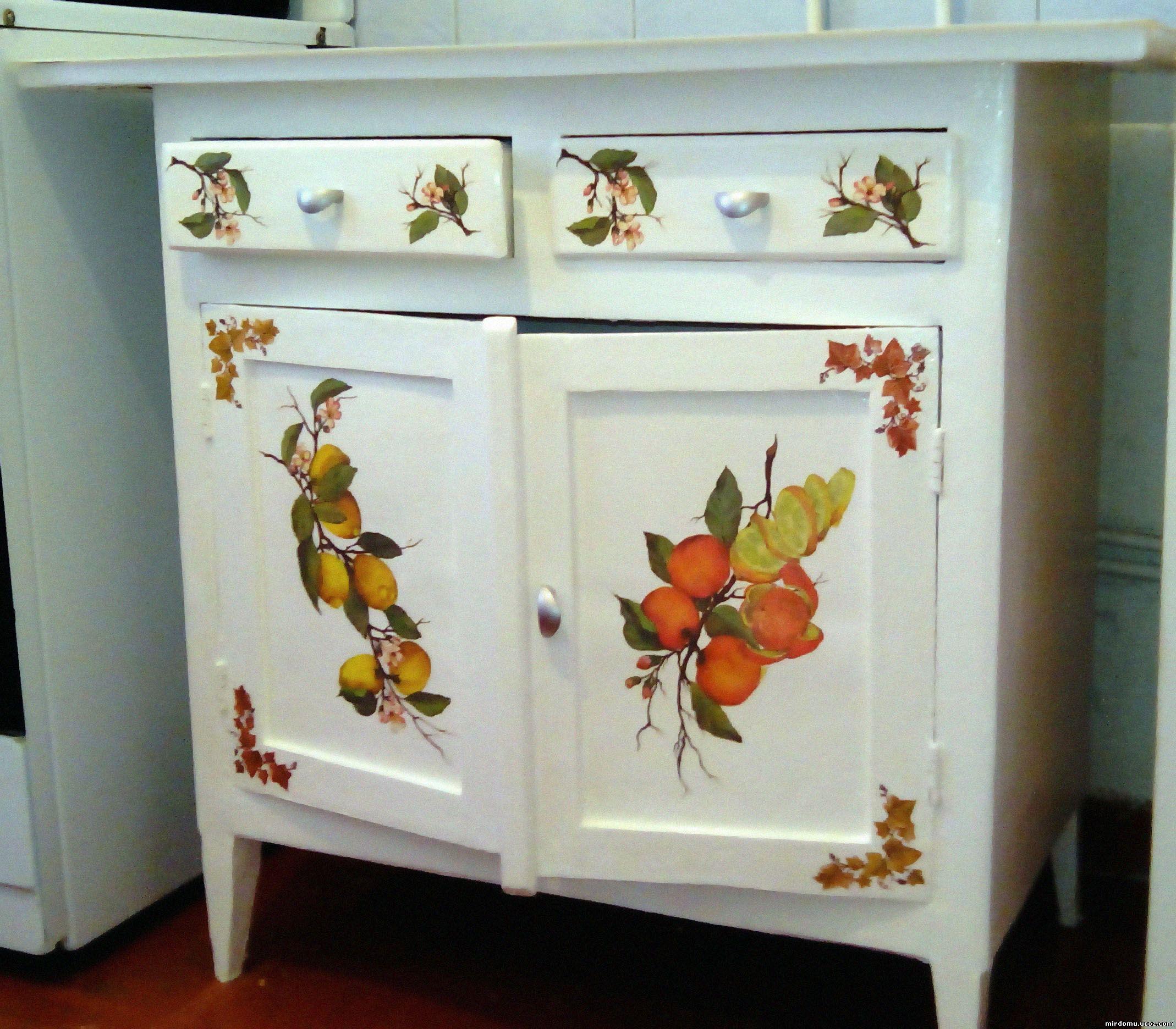 Обновление старой мебели своими руками идеи